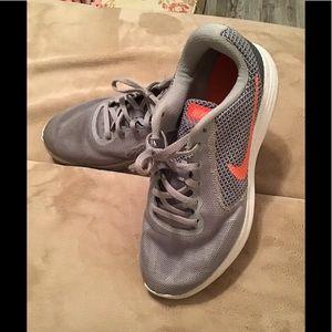 Nike Revolution women's running shoes gray 8 1/2